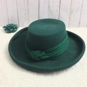 ⬇️$65 Vintage 100% Wool Green Homberg Hat